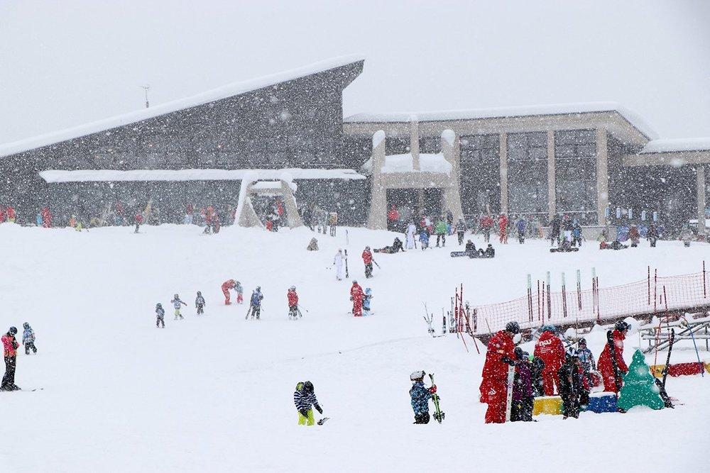 12月の大雪に大盛況のニセコHANAZONOスキー場